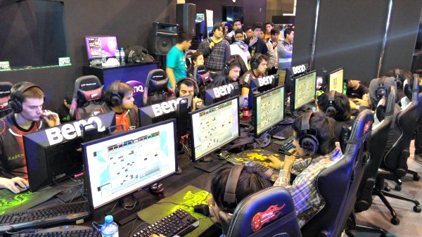 MasGamers Dota 2 Pro League en el Tech Festival IX
