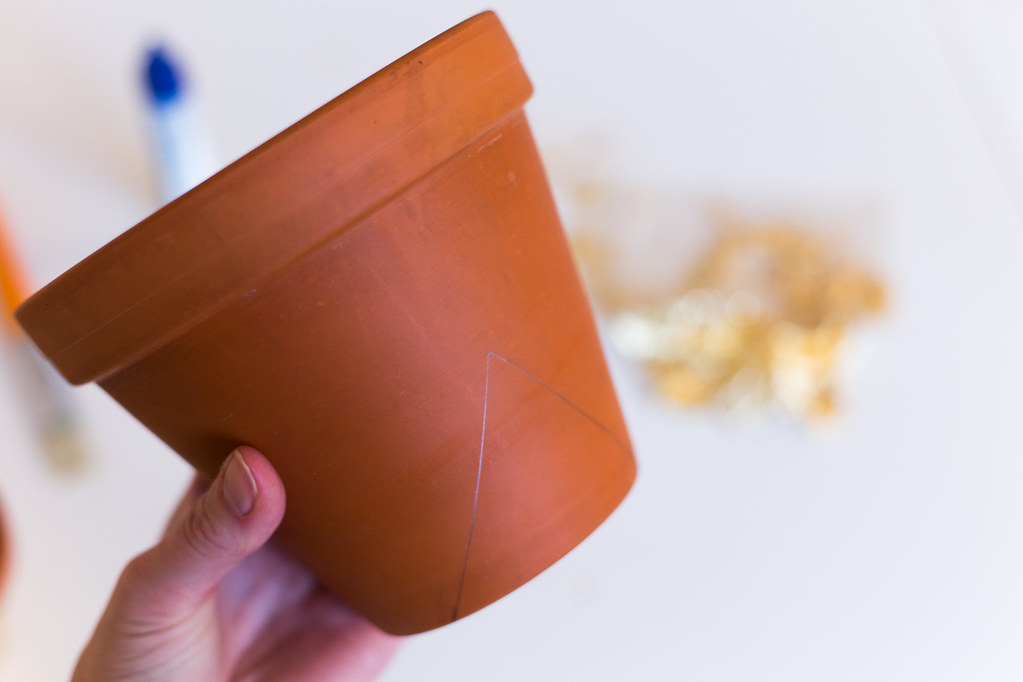 DIY – Gilded flower pots