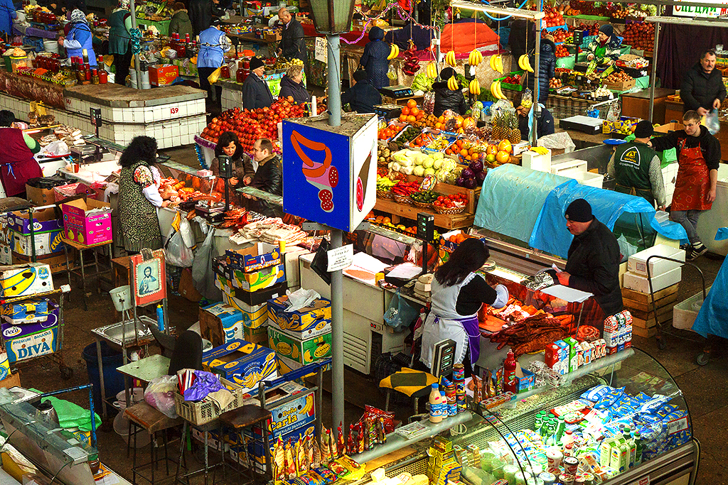 Large market in Podil--Kiev 2