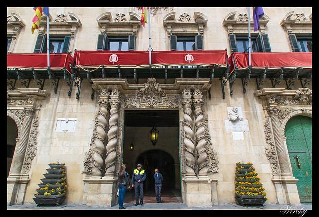 Portada principal del Ayuntamiento