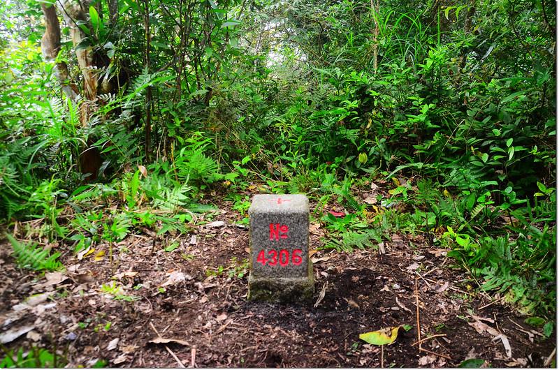 貓公山三等三角點(# 4306 Elev. 395 m) 1