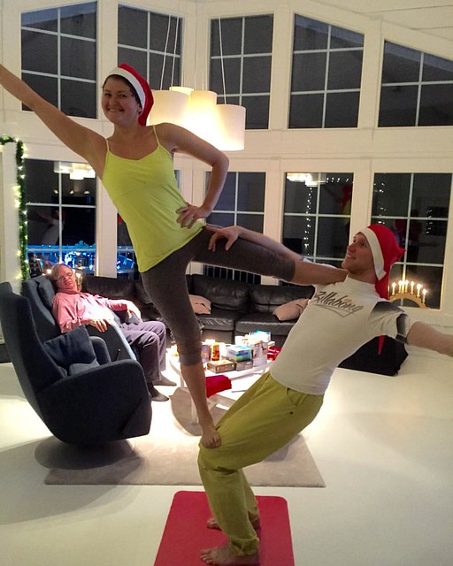 Christmas mode with honey #christmas #acroyoga