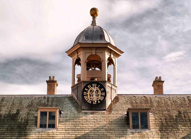 Belton Clock 1022