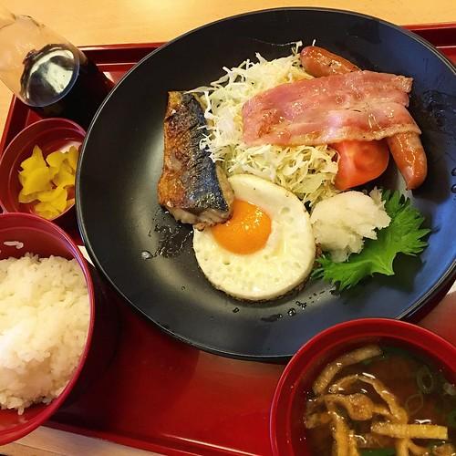 ジョイフルモーニング、幕内朝食!!ドリンクバー付きだし、いいじゃん! うめぇうめぇ #japan #japanesefood #breakfast #japan