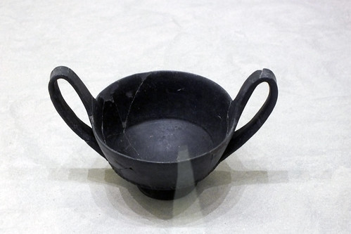 02Recipiente para libaciones 625-500 a.C