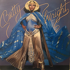 BETTY WRIGHT:TRAVELIN' IN THE CIRCLE(JACKET A)