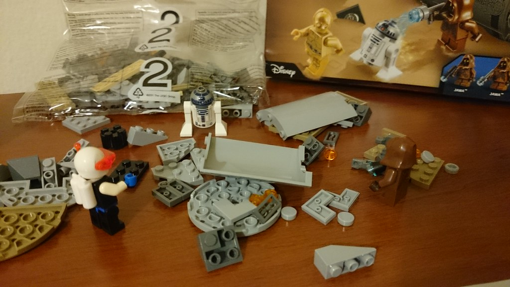 ThebrickReview: LEGO 75136 - (Star Wars) Droid Escape Pod (Pic Heavy!) 25885924216_d61c5cbb91_b