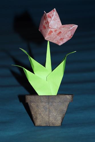 Origami Tulip (Ryoichi Moro)