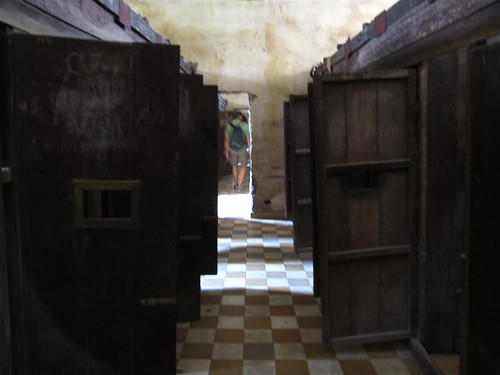 Phnom Penh: les cellules individuelles (ou à 2) de la prison S21