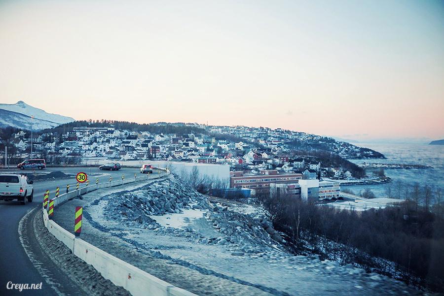 2016.02.23▐ 看我歐行腿 ▐ 阿呀~一不小心就從瑞典到了挪威, Narvik 小鎮遇見地理課本中的峽灣 25.jpg