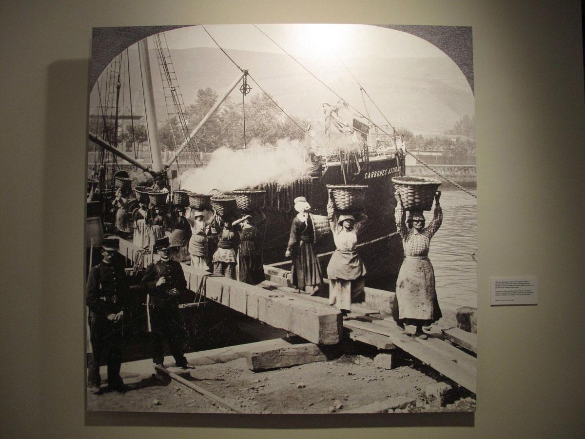 exposicion mujeres y mar_Untzi Museoa_coleccion juantxo Egaña