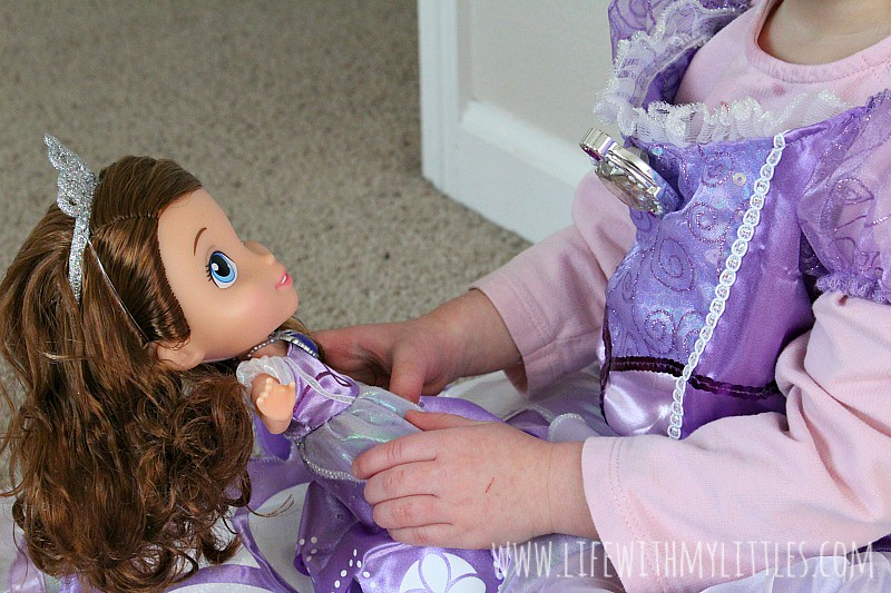 It can be hard to teach girls how to be confident and kind, but Sofia the First helps make it easier!