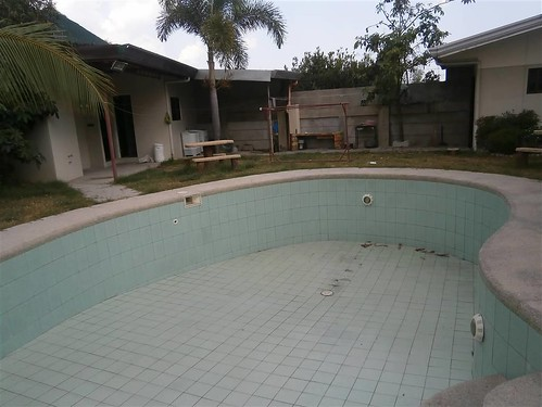 House for sale with swimming pool angeles city balibago