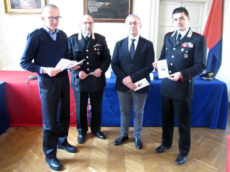 """Presentato l'opuscolo """"Possiamo aiutarvi"""" contro furti e truffe a Castel Bolognese"""