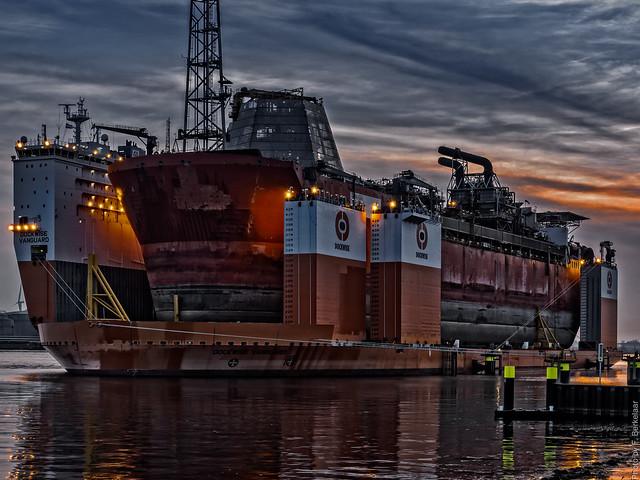 (B) Dockwise Vanguard & Armada Intrepid - Calandkanaal - Port of Rotterdam