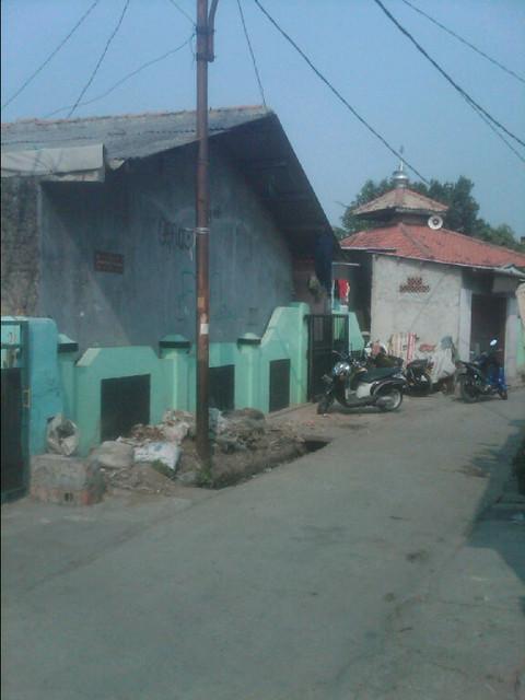 Rumah 2 Lantai Plus 10 Kontrakan Cocok Untuk Investasi Maupun Tempat Tinggal Cengkareng Jakarta Barat Rp 3.75 M (12)