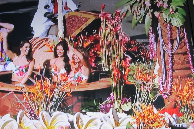 Hot tub on The Bachelor float at the 2016 Rose Parade