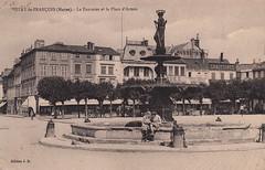 Vitry-le-François (Marne). - La Fontaine et la Place d'Armes (c.1930)