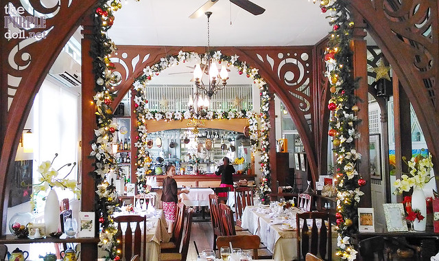 Claude's Le Cafe de Ville Davao Interior