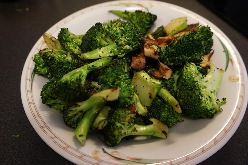 Broccoli och grillad kyckling