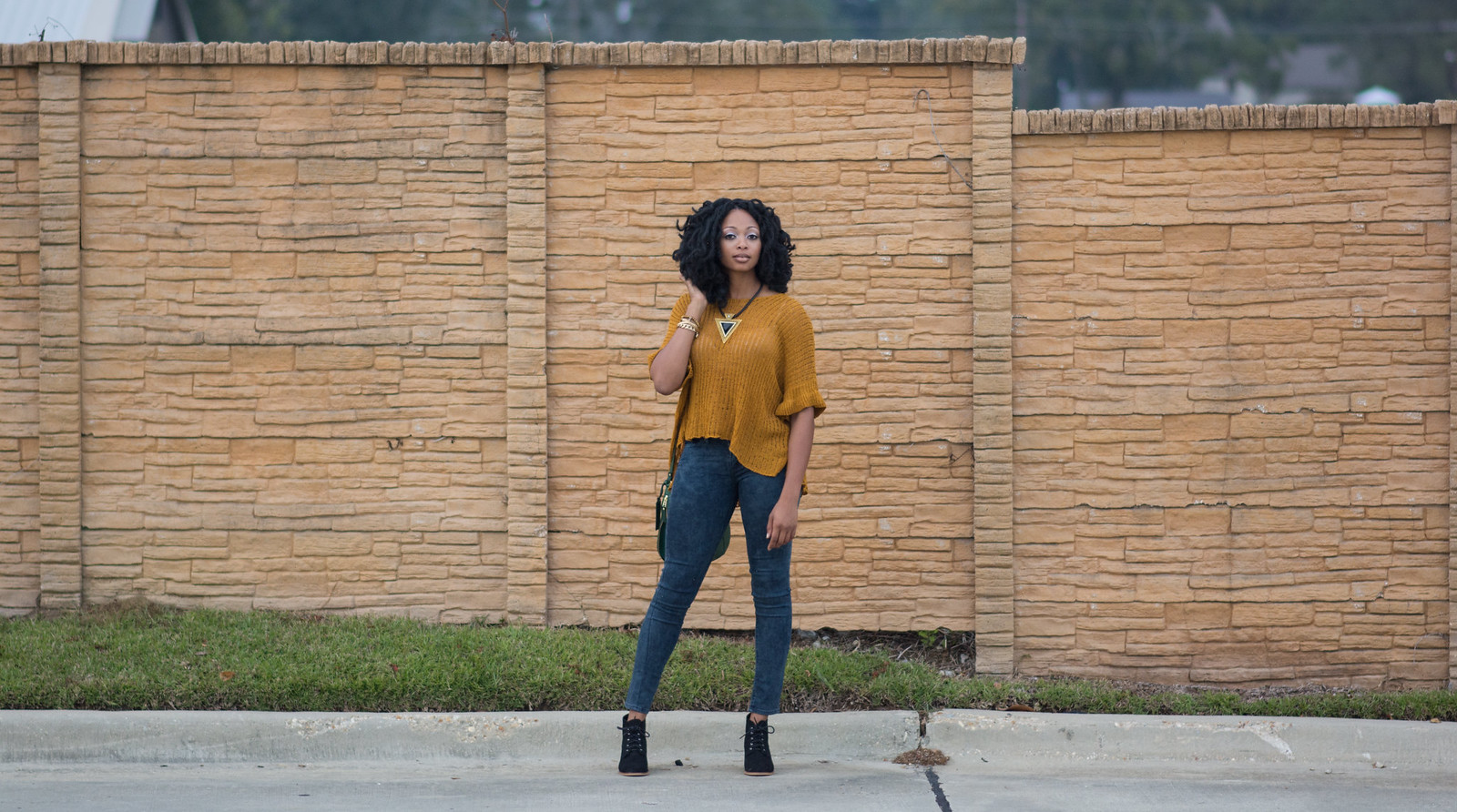styling skinny jeans with booties