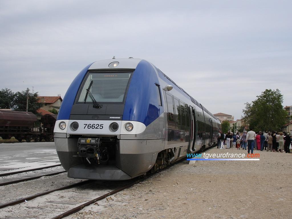 Un Autorail à Grande Capacité en gare de Carpentras
