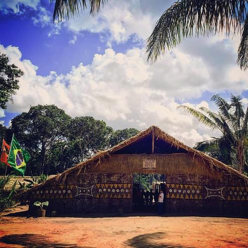 Um outro passeio imperdível na Amazônia é Maués, a terra do Guaraná e dos índios Satere-Mawe, onde se pode ter contato direto com nativos da região.  --- Another unmissable tour in Amazon is Maues, the land of the Guarana and Indians Satere-Mawe, where yo