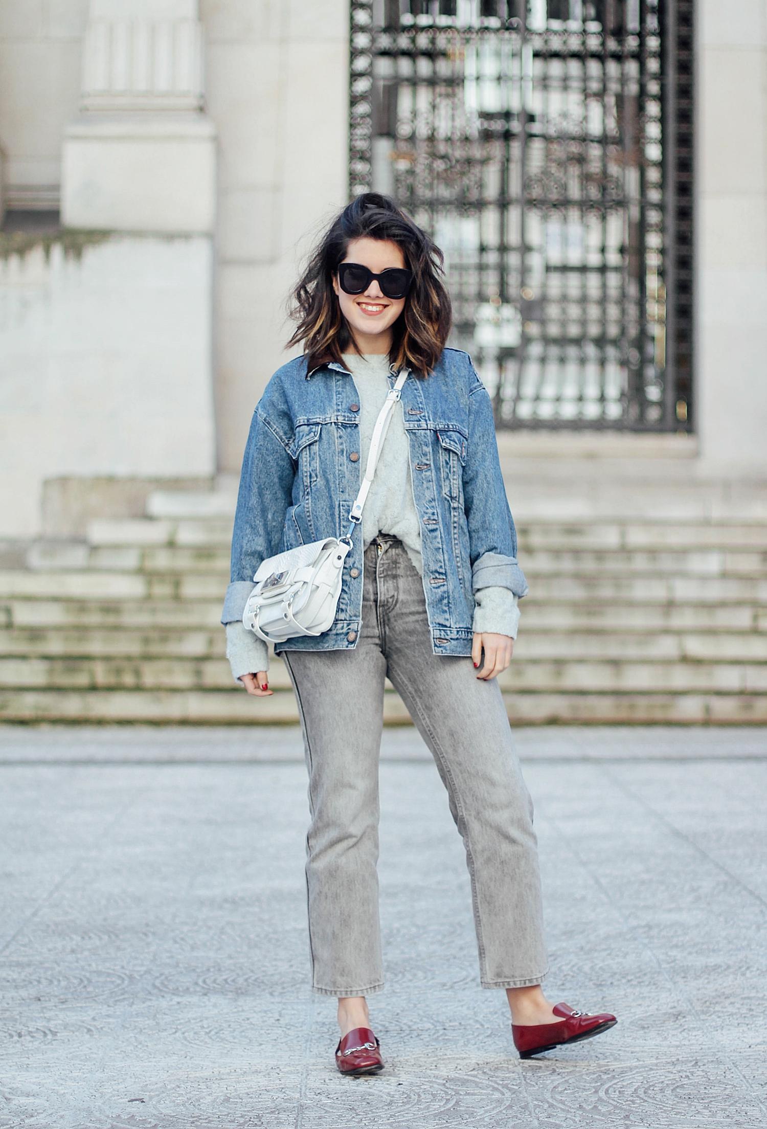 cazadora vaquera vintage levi's avelinas vintage_ mom jeans gris_ mocasines gucci