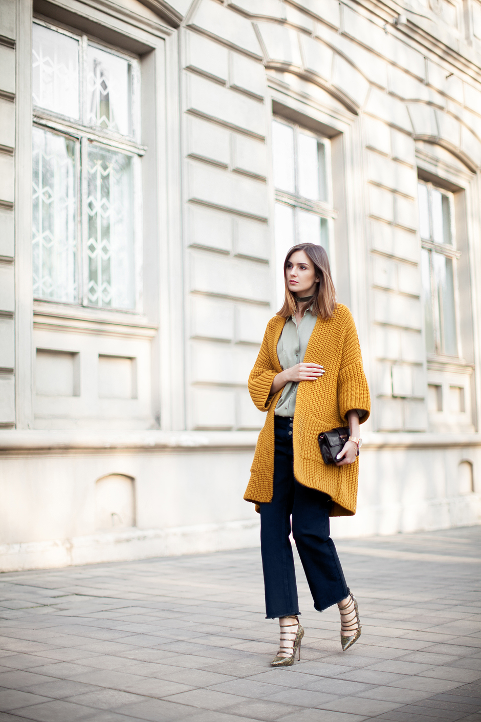 chuky-yellow-mustrad-cardigan-coat-outfit-street-style