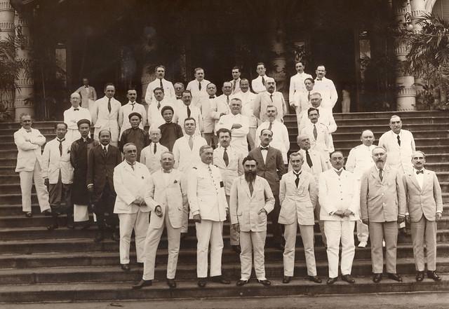 Toàn quyền Alexandre Varenne tại Saigon - trước Dinh Norodom