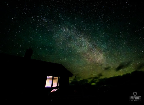 Airglow, Aurora and the Milky Way
