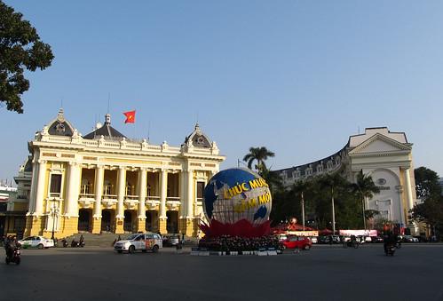 Le quartier colonial d'Hanoi: l'Opéra et le Hilton