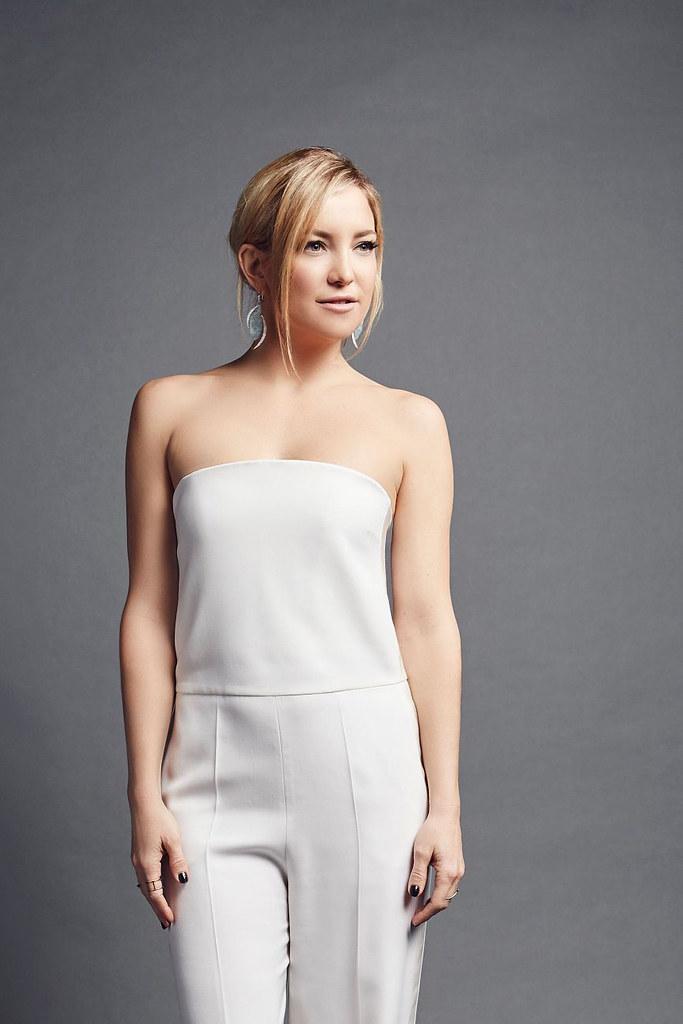 Кейт Хадсон — Фотосессия на «People's Choice Awards» 2016 – 3