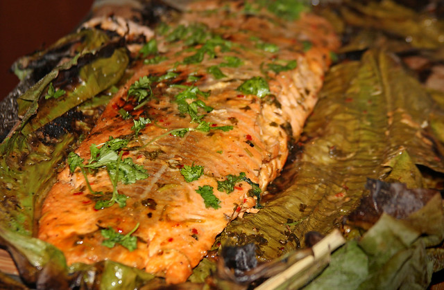 Salmon a la hoja de bananero (24)