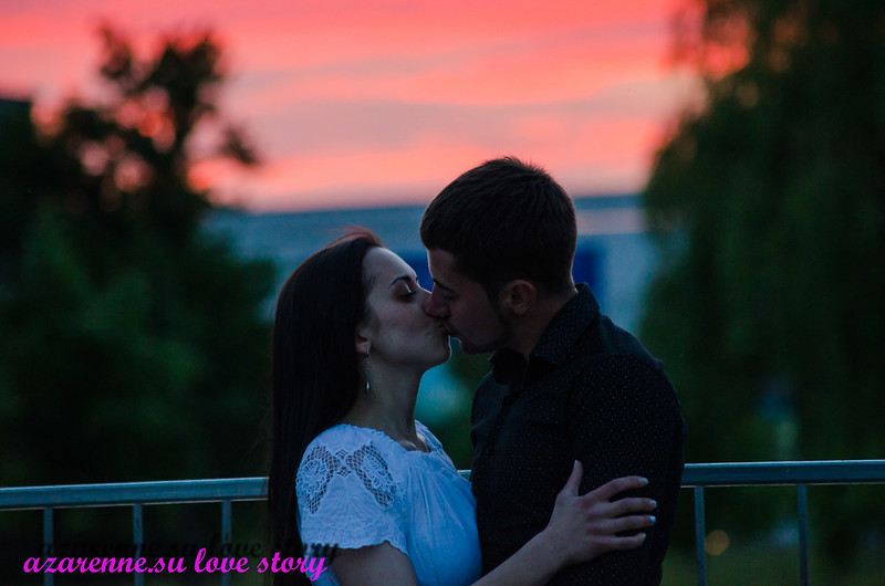 История любви поцелуй на закате