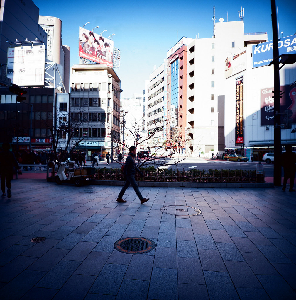 新宿 Tokyo / Kodak Pro Ektar / Lomo LC-A 120 2016/02/07 最後一天要離開日本,還是進去東京一趟,來個快速的一日遊!  Lomo LC-A 120 Kodak Pro Ektar 100 120mm 8283-0007 Photo by Toomore