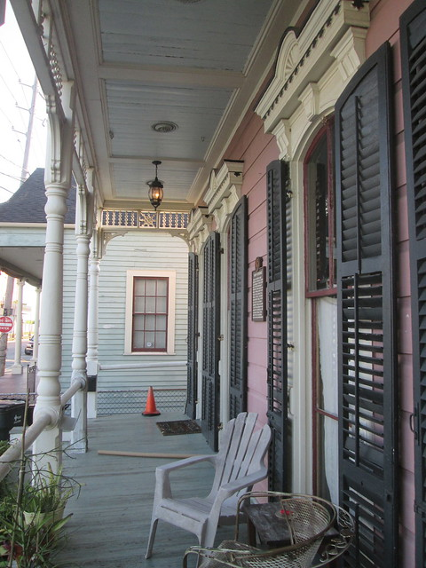 Header of Algiers, New Orleans
