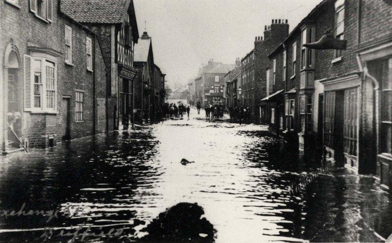 Exchange Street, Driffield 1910 (archive ref PO-1-33-19)