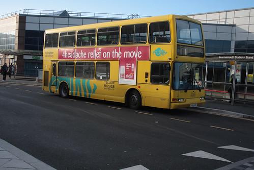 Yellow Buses VLV421 HJ02HFE