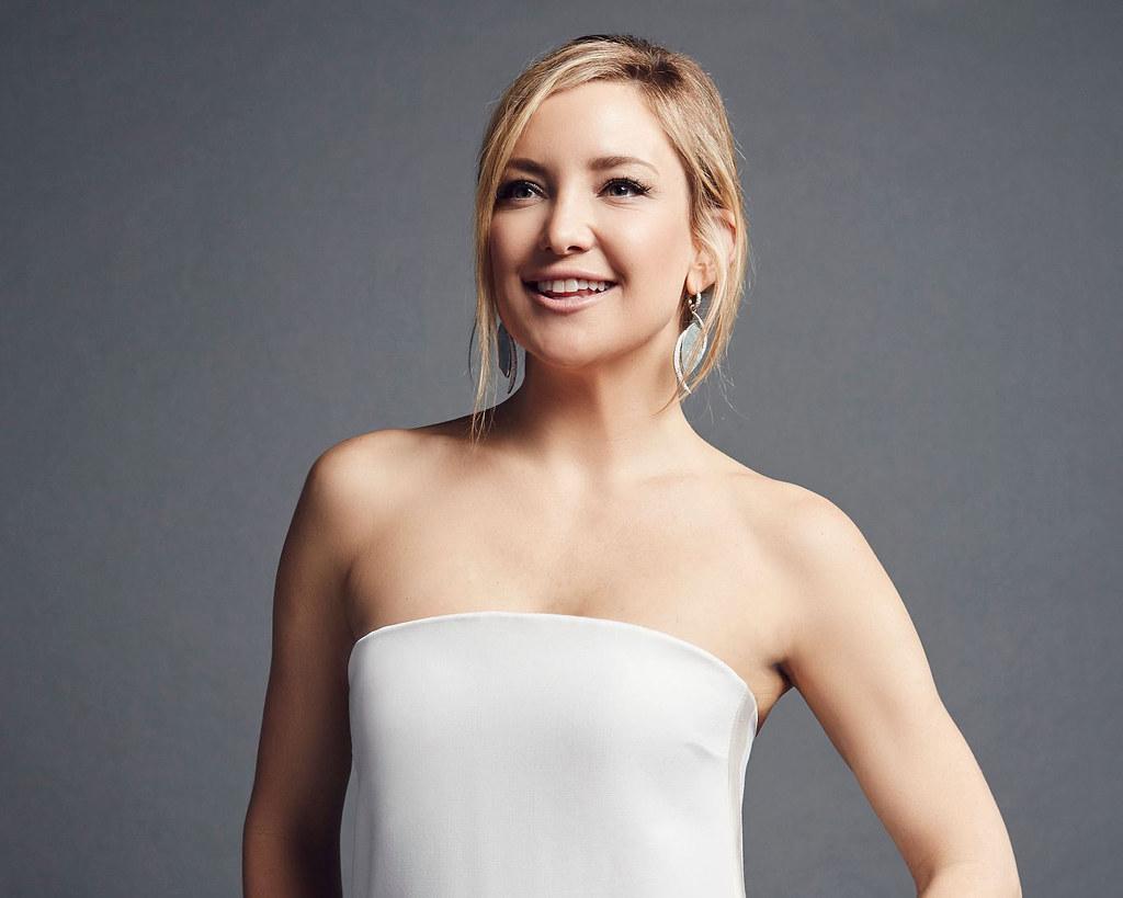 Кейт Хадсон — Фотосессия на «People's Choice Awards» 2016 – 5