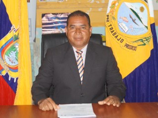 SR. LUIS GOMEZ JAMA - PRIMER VOCAL