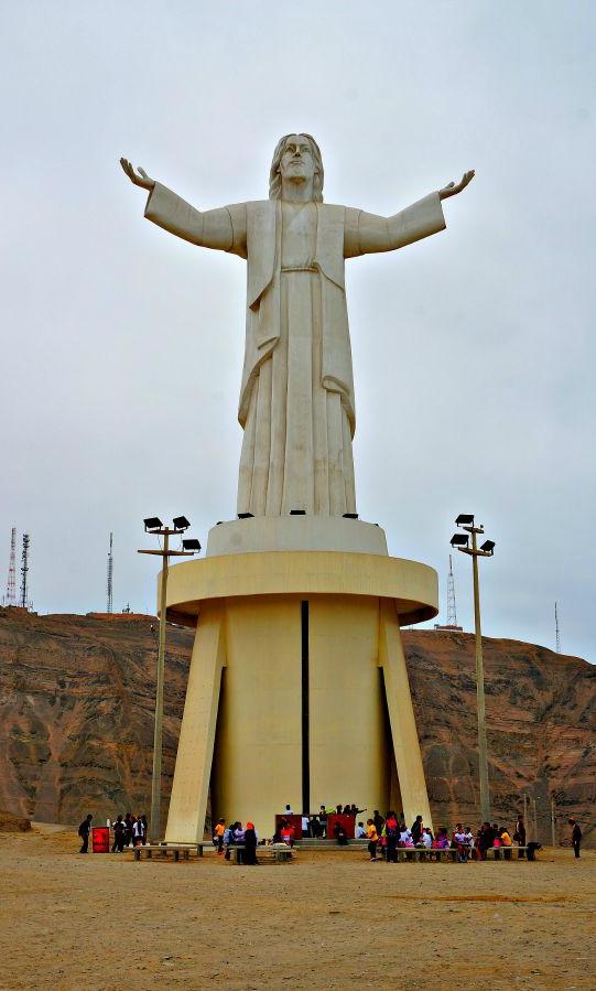 Cristo Del Pacifico Lima Peru