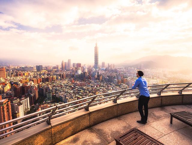 Taipei Sunset from Shangrila by Michael Matti