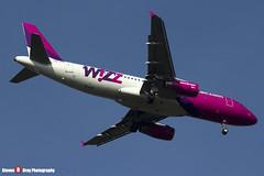 HA-LPM - 3177 - Wizzair - Airbus A320-232 - Luton, Bedfordshire - 2016 - Steven Gray - IMG_5127