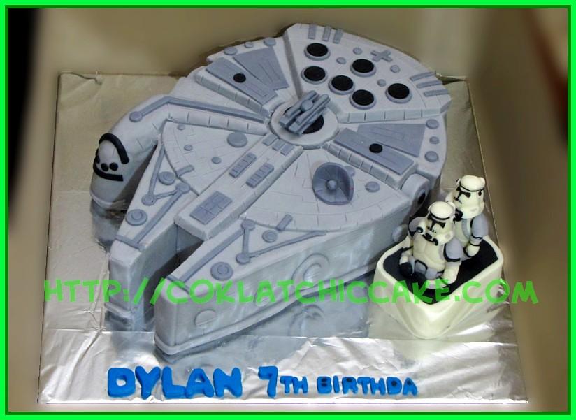 Cake Millenium Falcon