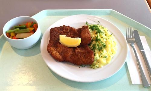 """Pork escalope """"Vienna style"""" with potato salad / Schweineschnitzel """"Wiener Art"""" mit Kartoffelsalat"""