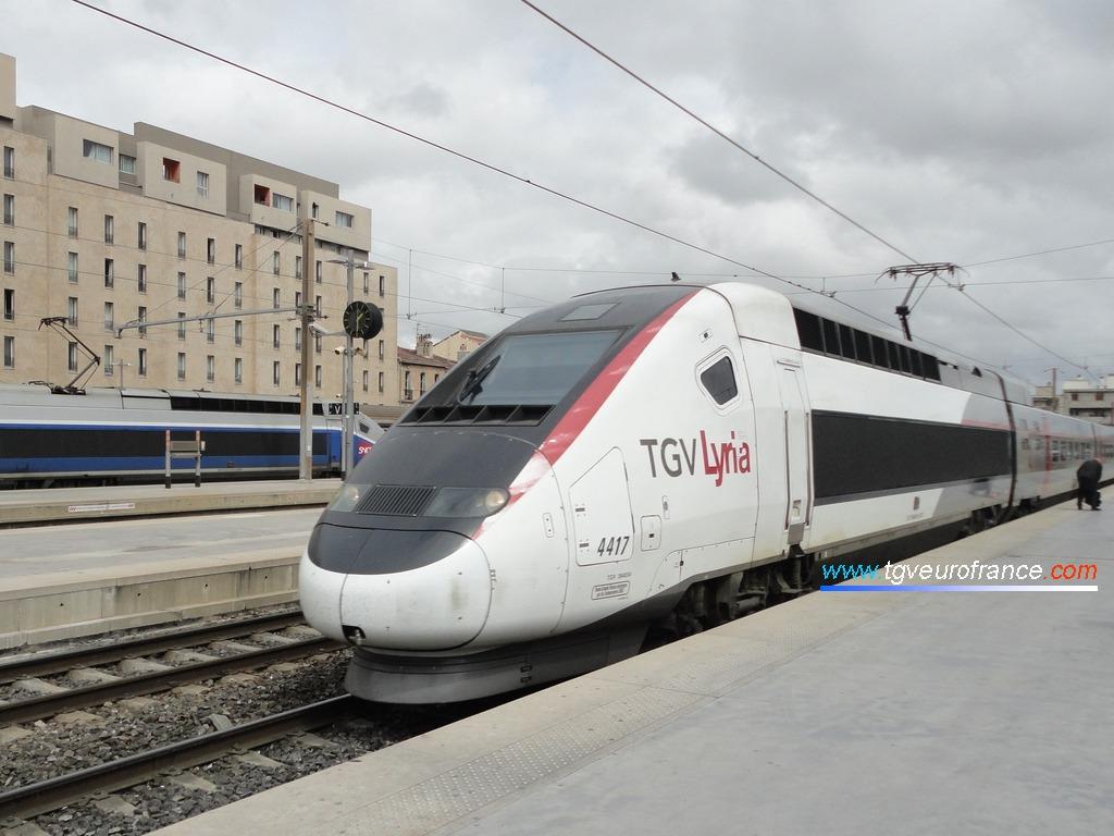 Un TGV Lyria (rame TGV POS 4417) entrant en  gare de Marseille Saint-Charles