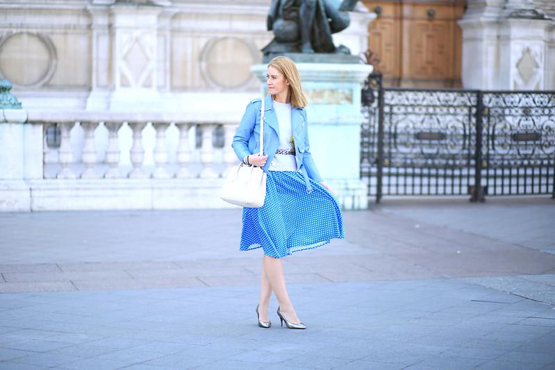 perfecto-bleu-et-jupe-bleu-à-poids