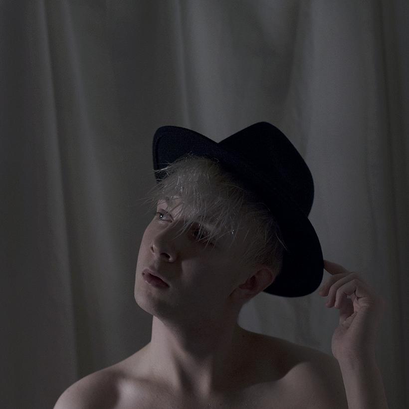 jere_viinikainen_photographer_omakuva_art_fedora