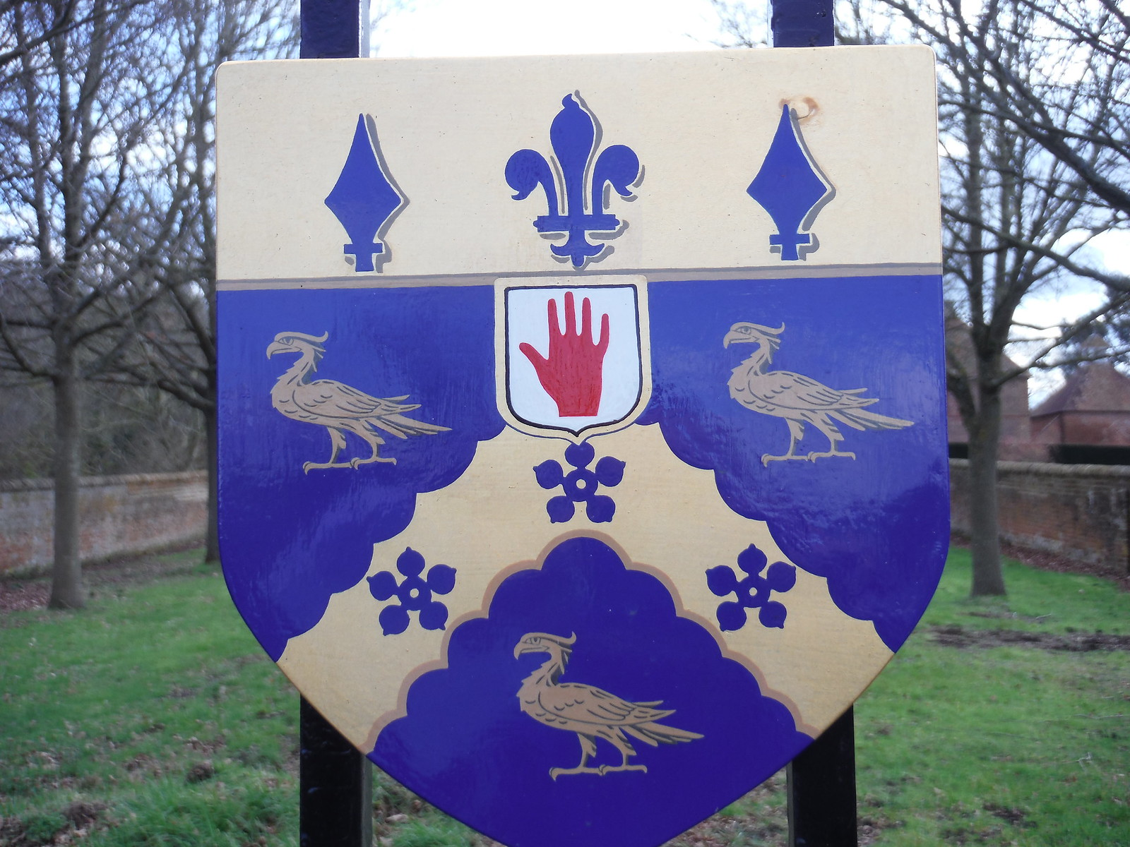 Coat of Arms, Bucklebury House SWC Walk 117 Aldermaston to Woolhampton (via Stanford Dingley)